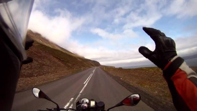 Islandia: Cascada hacia el mar!