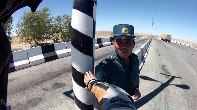Uzbekistán: Controles de Carretera
